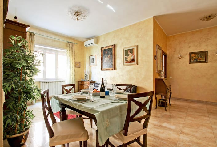 Pamphili quiet home in Rome, close to Trastevere