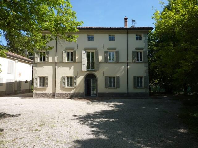 VILLA ORLANDINA - PASTELLO - San Venanzio - Villa