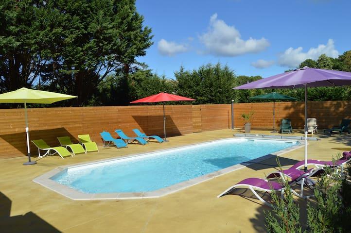 "Villa spacieuse,contemporaine,""plein sud""+piscine"