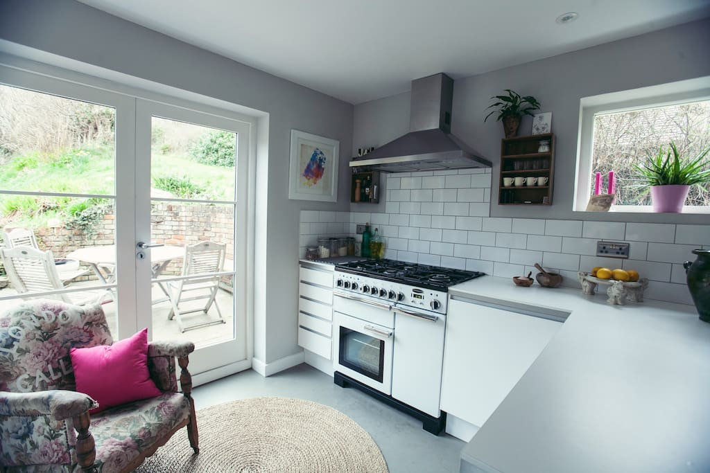 Light and spacious open plan kitchen
