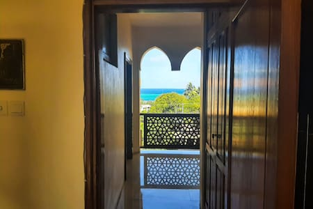 Self-Contained Room in Nyali - pool & Beach Access