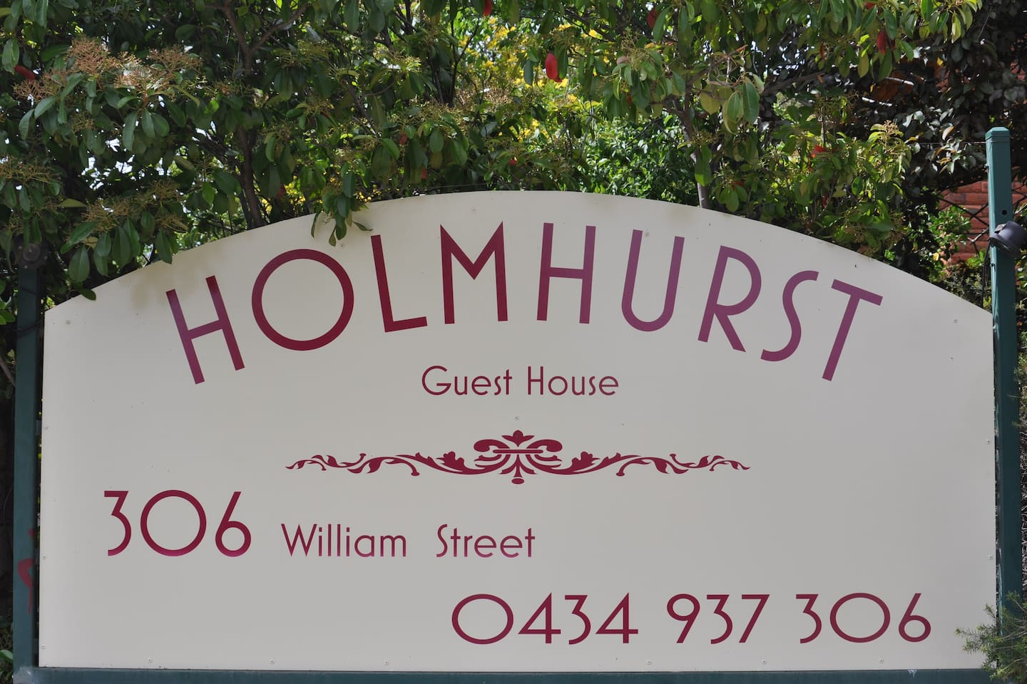 Welcome to Holmhurst Guest House