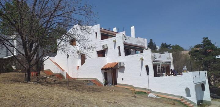 Villa del Lago 3 dormitorios asador cochera