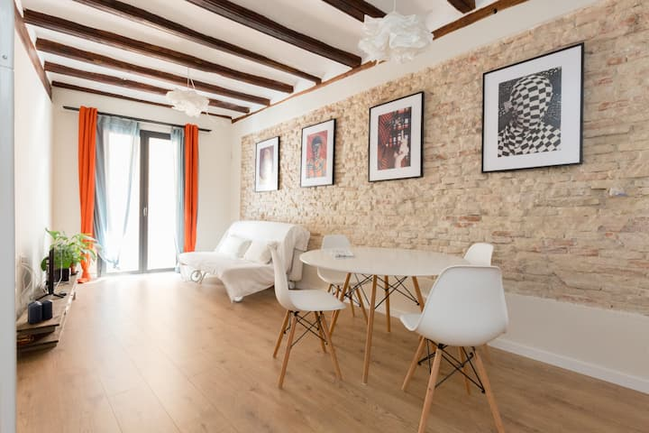 CASTA2 - Romantic apt in the Historic Centre