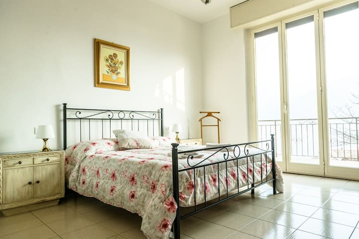 First bedroom , all bedrooms have air conditioner .