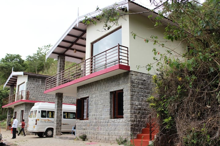 Home in the mountains - Nilgiris - Bed & Breakfast