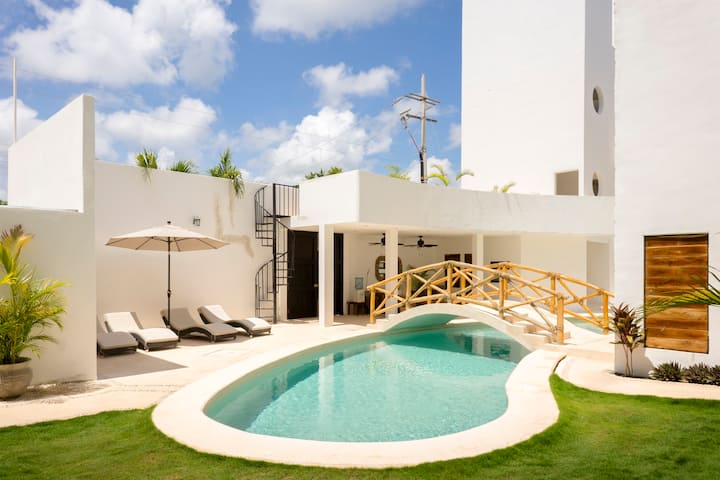 ** Penthouse* Private pool*Amazing terrace*