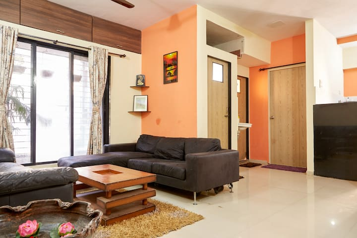 Pleasant and Spacious 1 BHK Stay at Thane - Thane - Apartemen