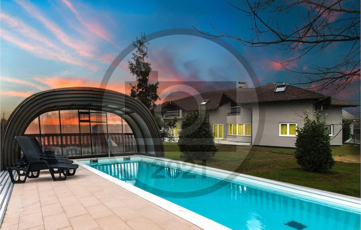 Amazing home in Graberje Ivanicko with Outdoor swimming pool, Sauna and 7 Bedrooms