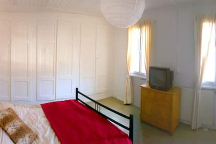 Room 6 · Master Bedroom in The Lodge