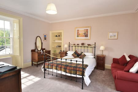 Miller room, Sydney House Bed and Breakfast