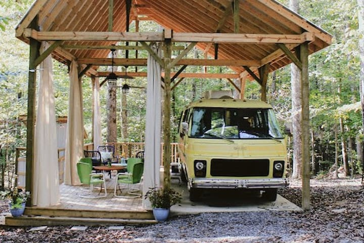 Vintage RV/Camper in Franklin/Leipers Fork.