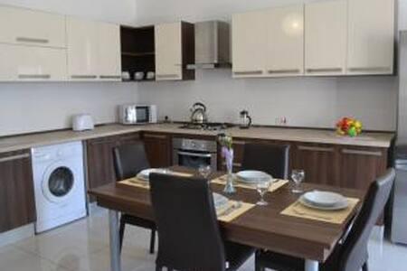 Deluxe, modern 2 bedroom apartment - Saint Paul's Bay