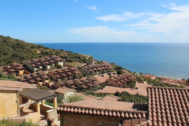 Villa panoramica fronte mare