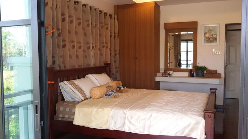 Cozy & Peaceful  apartment 3B @ Rimtalay Angsila - Samet - Casa