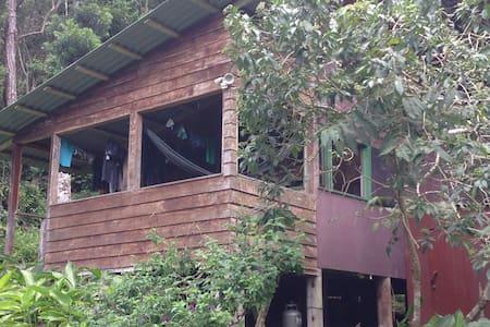 Experience Monteverde Cabin Life - Ház
