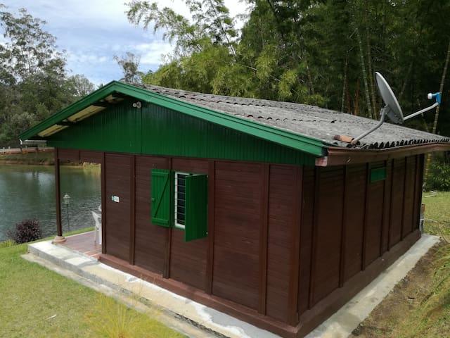 Cabaña verde para pareja en Navegar - Guatapé