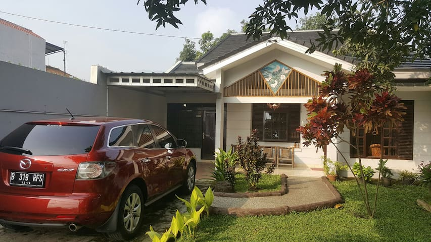 Amanda's guest house - Bandung - Casa