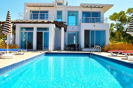 KB468 A mediterranean Villa with secluded pool - Esentepe