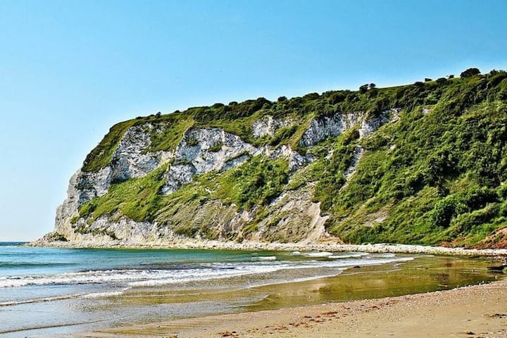 Whitecliff Bay Isle of Wight- Yarborough View 4