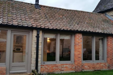 One bed Cottage close to Stamford and Peterborough - Ashton