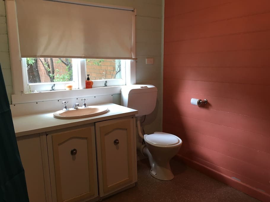 Fancy Bathroom: Houses For Rent In Geelong