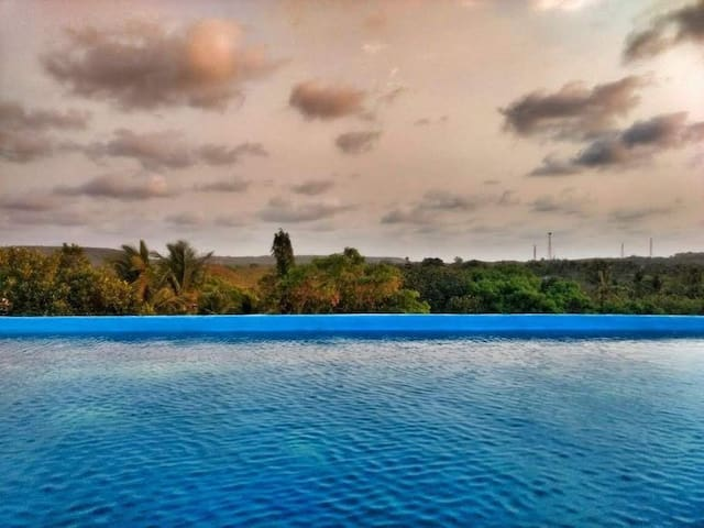 One @ Bungalow 598 with Rooftop Infinity Pool