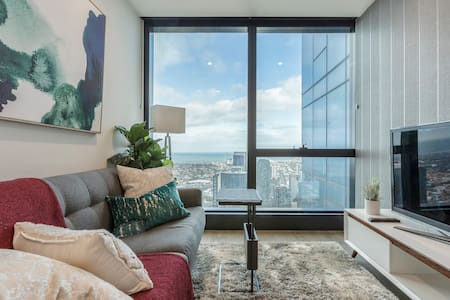 Chic&Cozy unit w/ Bay Views in Heart of Melbourne