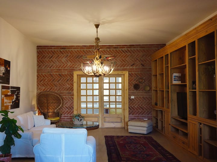 Charming Apartment in Baabdat