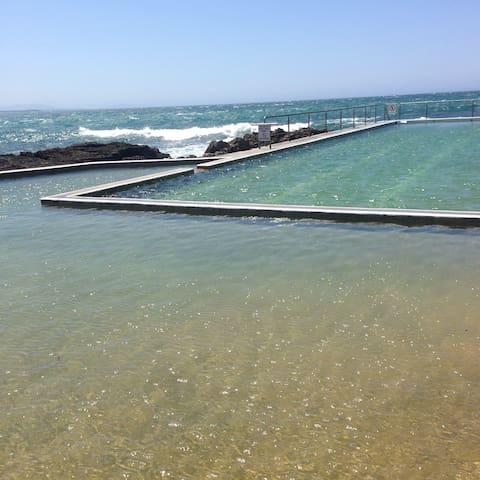 Blackhead Beach & swimming pools