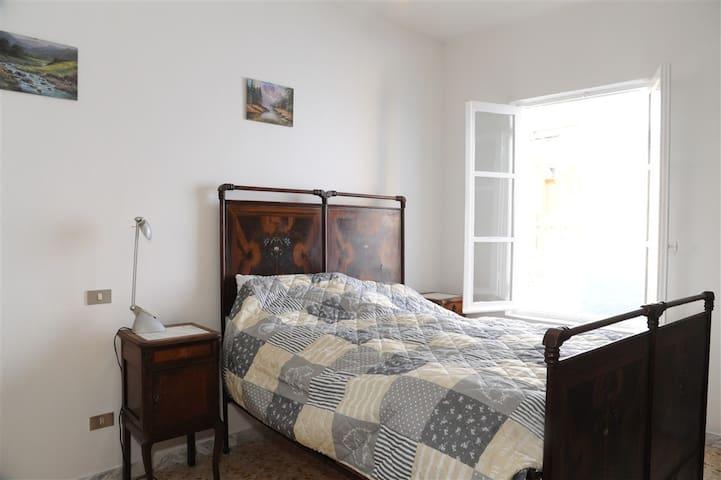 Book & Bed - Enomotia (1 cam. letto - 4 ospiti)