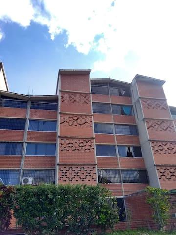 Res. cercana al Aeropuerto Caracas. Valle de Chara