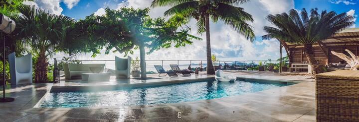 GITE villa d'ô ,vue mer coté petite terre,piscine