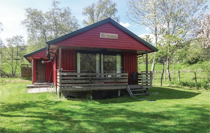 Awesome home in Ålfoten with Sauna and 2 Bedrooms