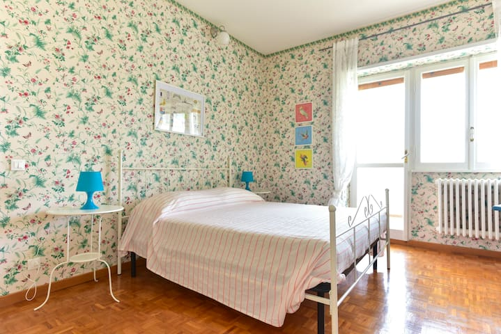 Bright 6pax apartment with terrace - Roma - Apartment