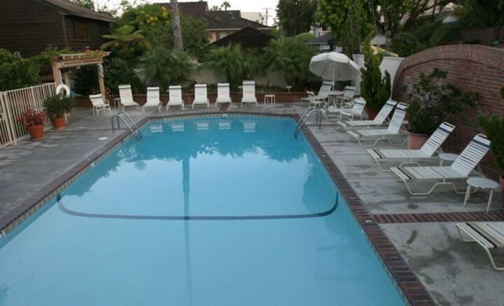 Laguna Beach Holidays week 25-1st    weekly stay