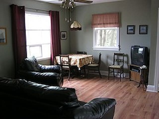 River Valley Guest Cottage - Wolfville - Banglo