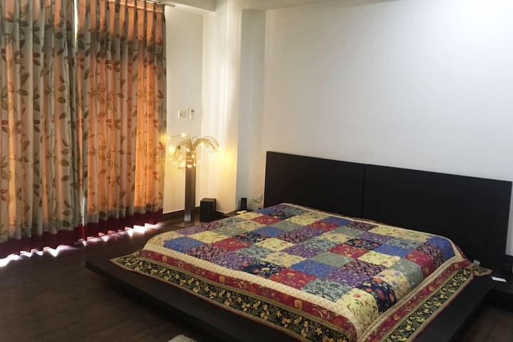 A/C Private Room + Living Room + Kitchen +Washroom - Ghaziabad - B&B/民宿/ペンション