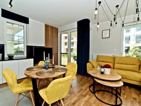 Quiet apartment with a garden B6