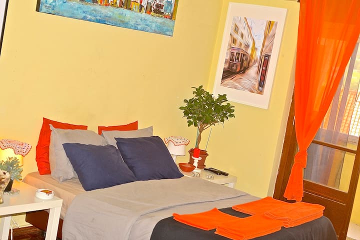 Quiet and confortable room in the heart of Lisboa. - Lisboa - Bed & Breakfast