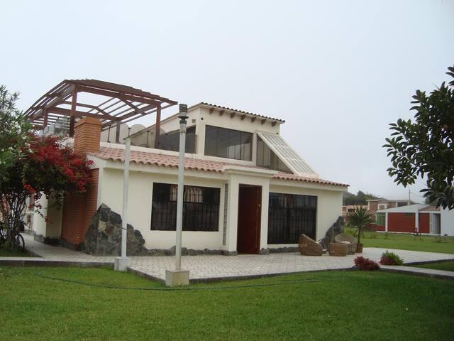 Beautiful Beach Pool Country House - Lurín - Hus