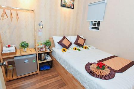 Cozy double room, the central of Ninh Kieu Quay.
