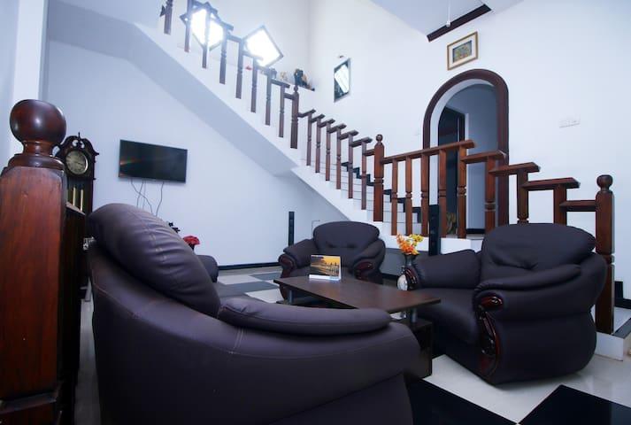 Sajee Villa - Hikkaduwa - Apartment