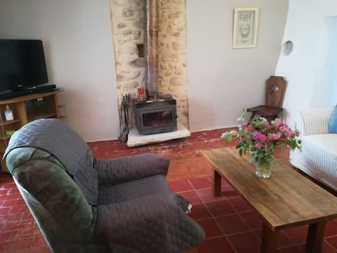 Appartement dans un village médiéval du Luberon