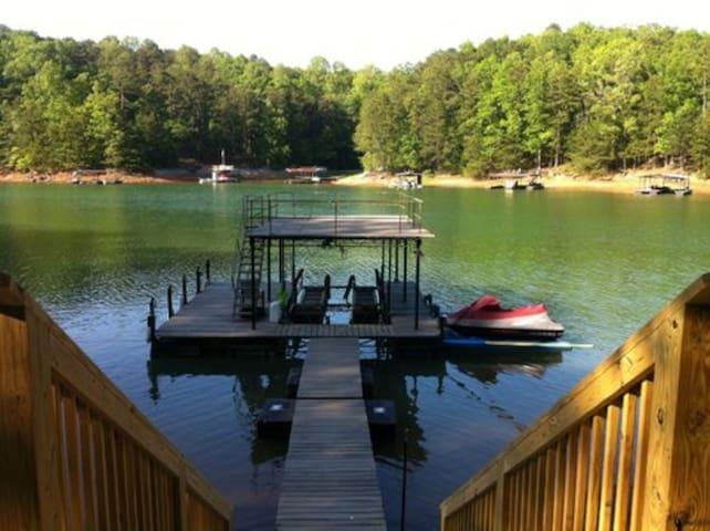 Deep Water - 81' to Lake WiFi Pets Ok Washer/Dryer
