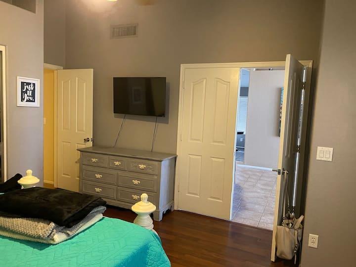 Short-term room rental for professionals