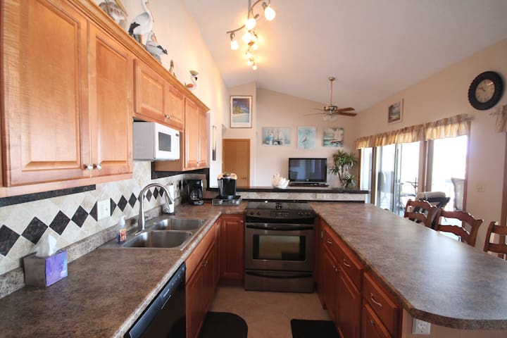 Double Unit in Heron Bay! Centrally located. Slip
