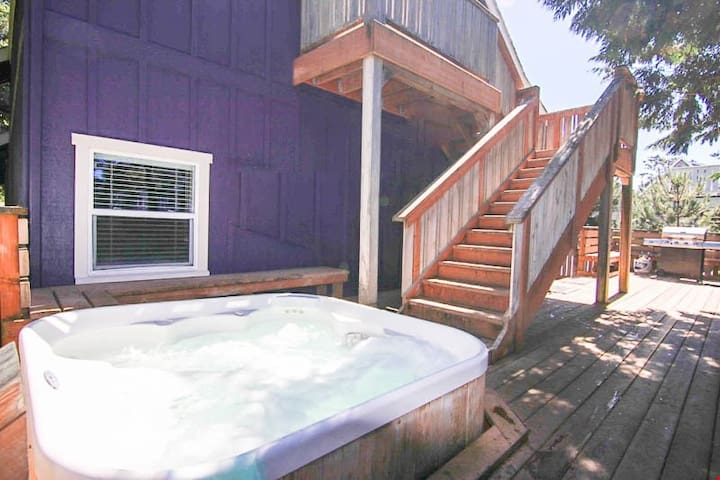 Bella Delight - Family Friendly Bella Beach Home w/ Hot Tub, Game Room, & Pets Welcome