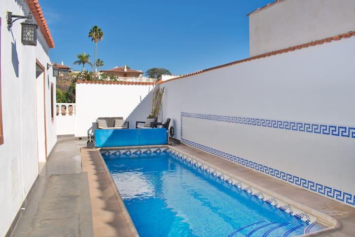 La Quinta - 4 bed villa, air con and private pool