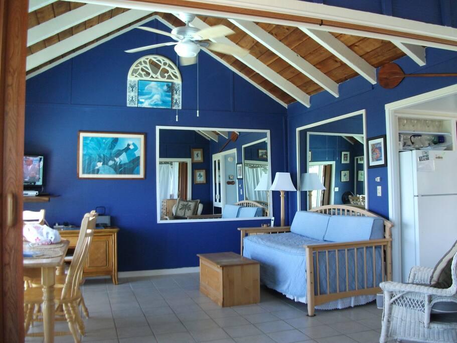 Sleep area with 2-twin beds